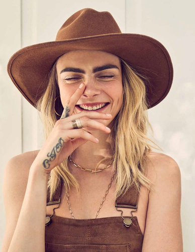 Map News Beau Grealy Photographs Cara Delevingne For Variety Cover Story